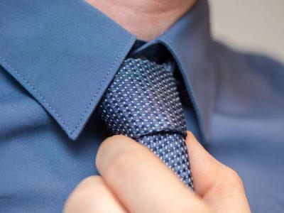 Modetrends bei Krawatten: einfarbig und schmal